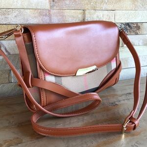 Great quality plaid purse...